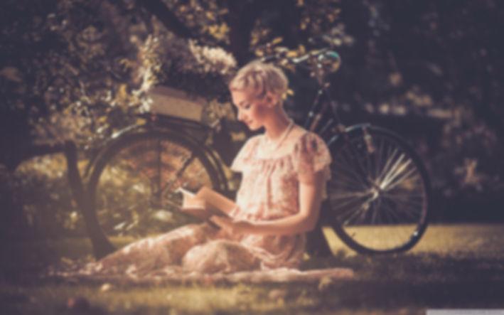 Woman Reading_books-wallpaper Bike Outdo