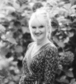 Chrissie_Karen_Headshots_FreyaRaby-170_e