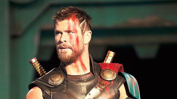 Chris Hemsworth Thor Ragnarok.jpeg
