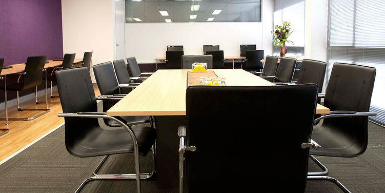 Focus group rooms for social and market research
