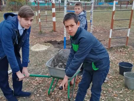 В ТОС « Новоархангельское» идёт установка турника, для спортивной площадки.