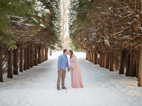 Maternity Session in the Snow with Rachael and Will, December 2020