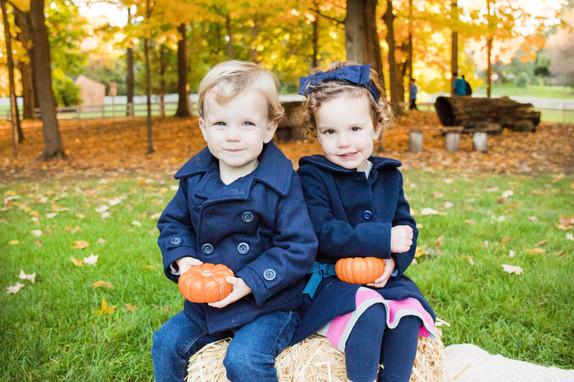 Aldrich Family Fall Mini Session at Endicott Park