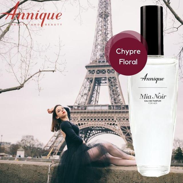 Annique Mia Noir