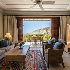 Eagles-Nest-Executive-Suite-with-Private