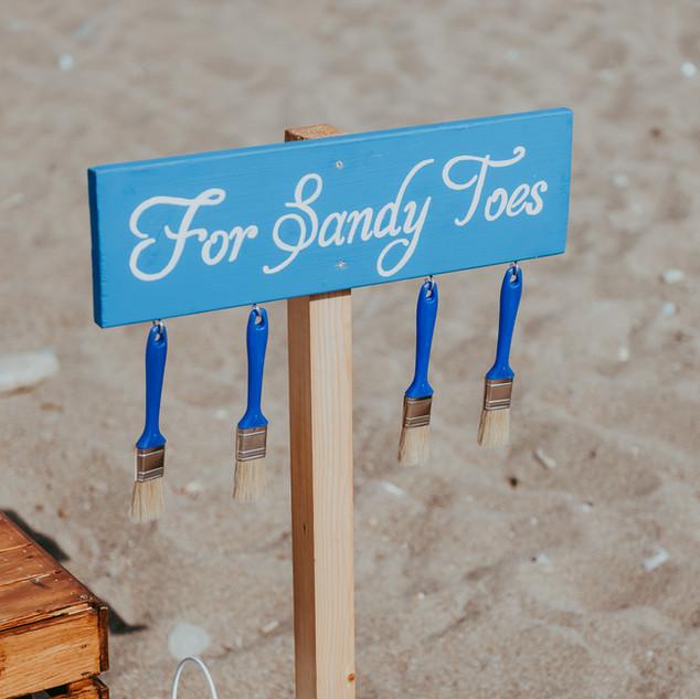 שלט יצירתי לחתונה