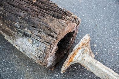 Gammelt_vandrør_af_træ.jpg