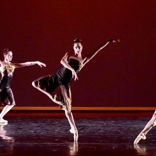 Murmuration2C2015-ChoreographybyGeorgeWi