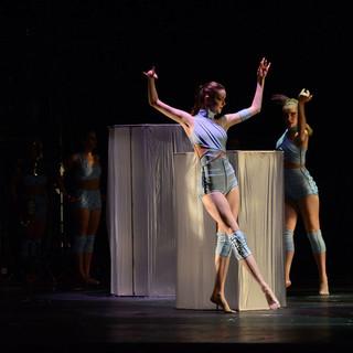 Bare28201329-ChoreographybyLaurenKearns1