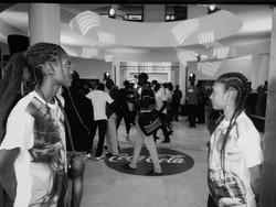 Coktail de bienvenue de briefing des créateurs de contenu et joueurs de jeu vidéo sur les objectifs de Coca-cola en Afrique à l'horizon 2020.