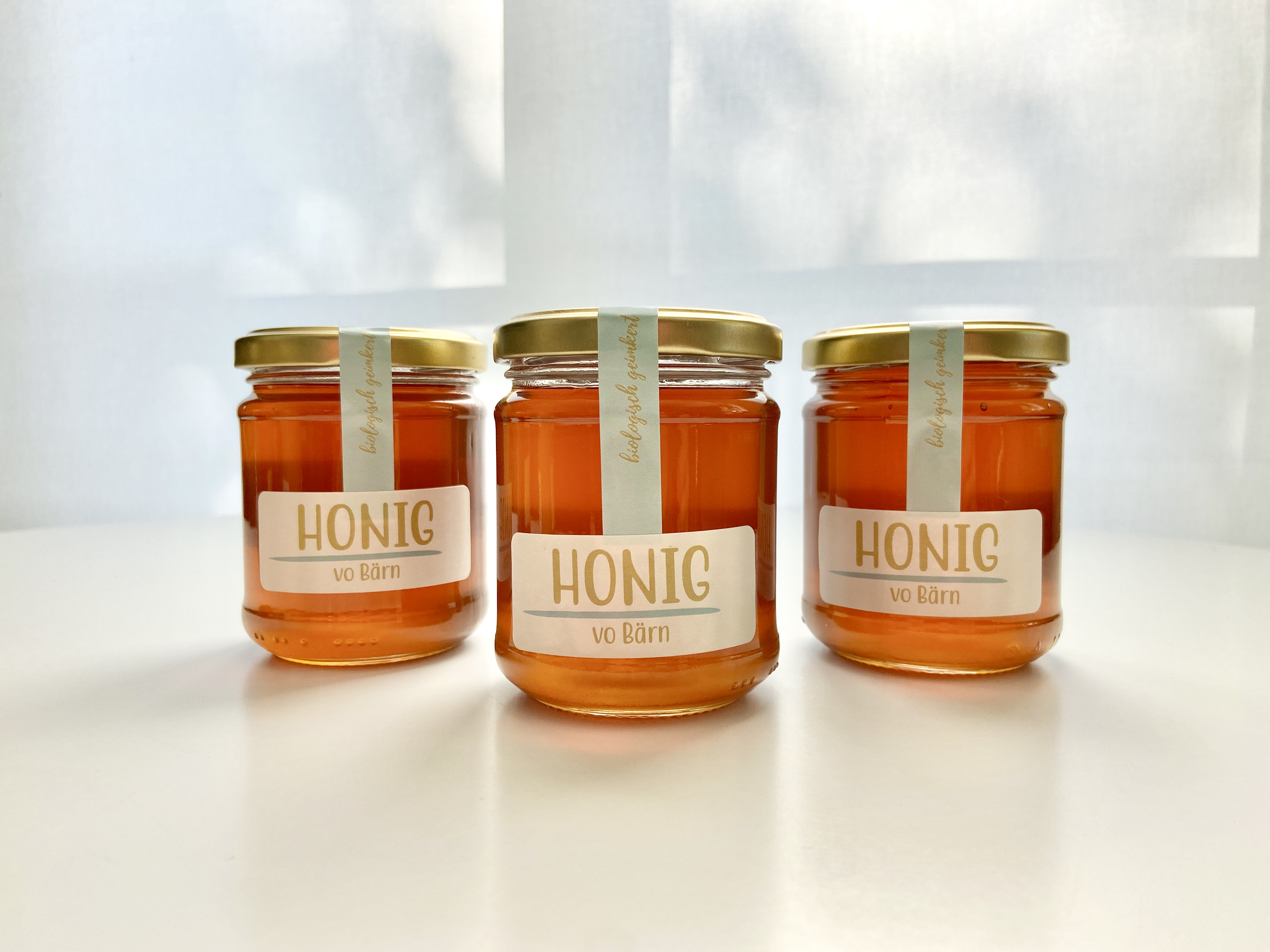"""Gestaltung Honigetikette """"Honig vo Bärn"""""""