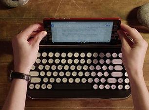 Penna Keyboard_Hold