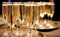 champagne-glasses-original-370x229