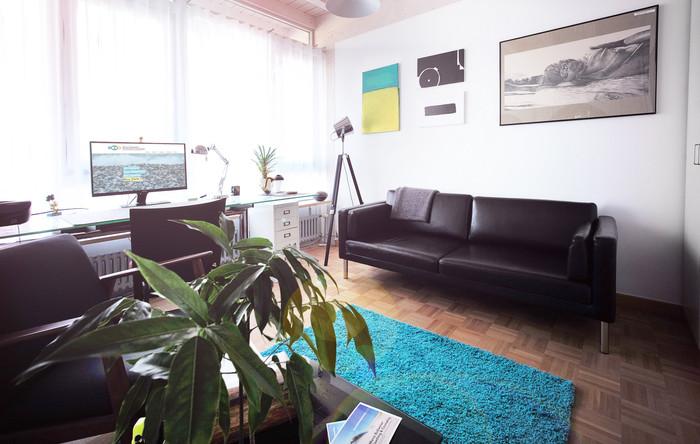 Praxisraum Couch