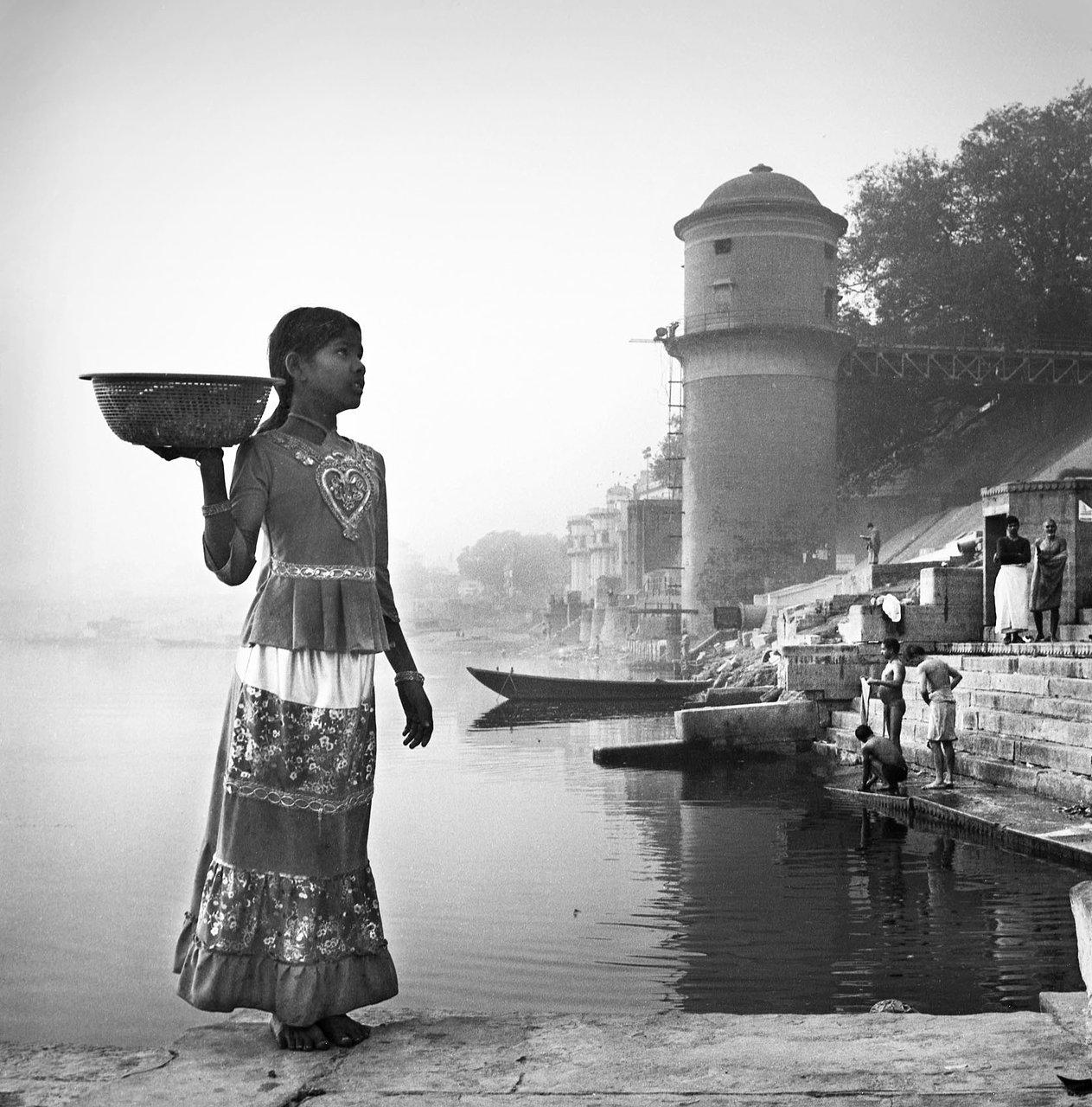 Puja girl 1, Varanassi