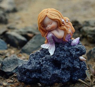 Petite sirène sur son rocher