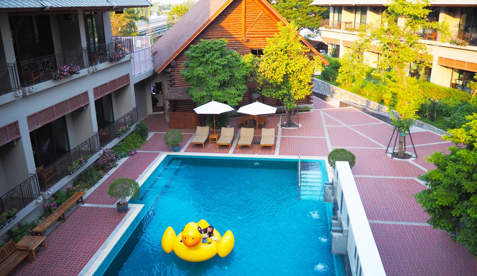 pool-07.JPG
