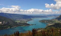 Survol du lac d'Annecy