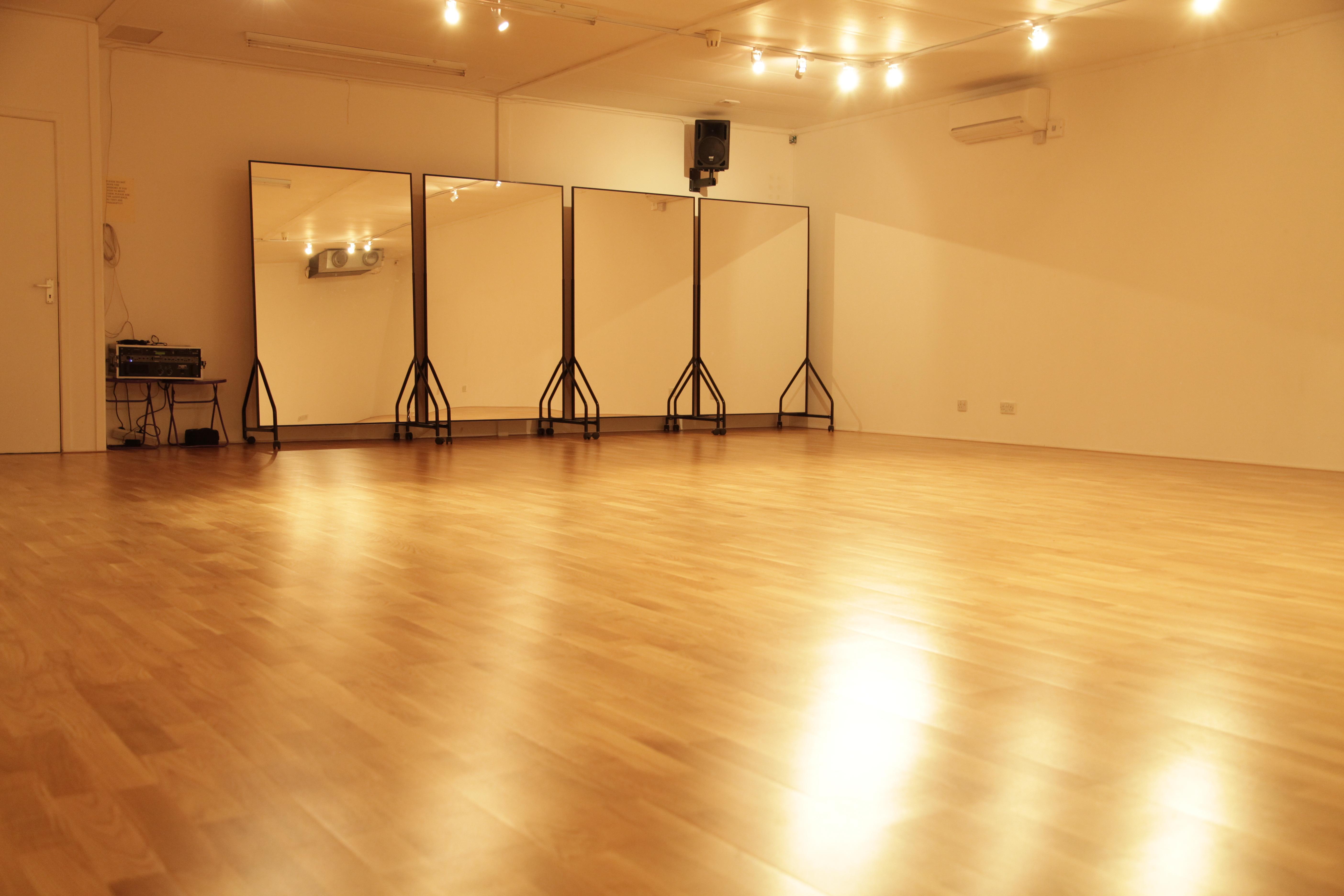Studio pic 2-3