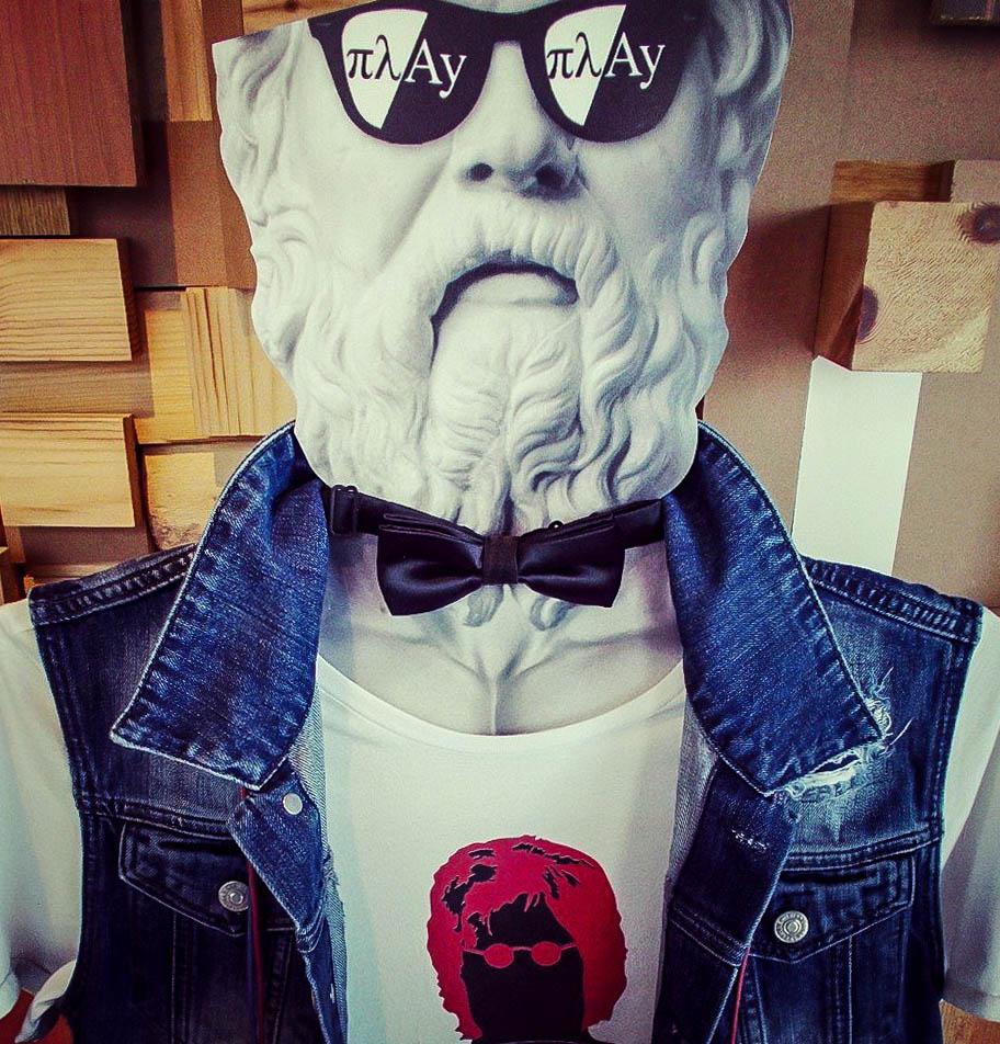 Socrates wearing πλAy