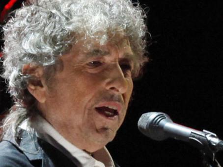 O genial Bob Dylan fala de um dia que viverá na infâmia.