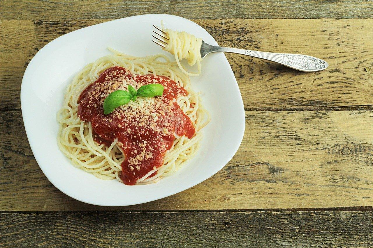 Massa com molho de tomate