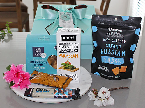 Gluten Free gift box with; choc chunk cookies, energy bliss balls, chocolate, Russian fudge, parmesan & seed crackers, all GF