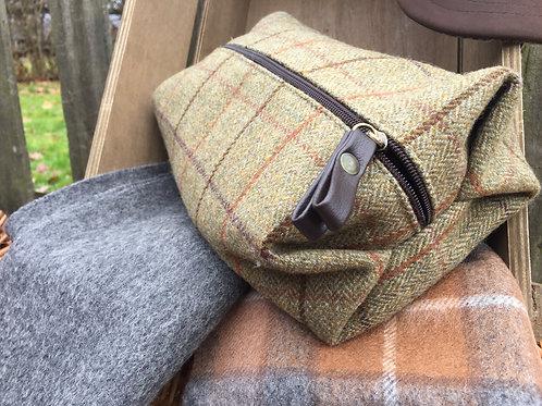 Tweed Washbag