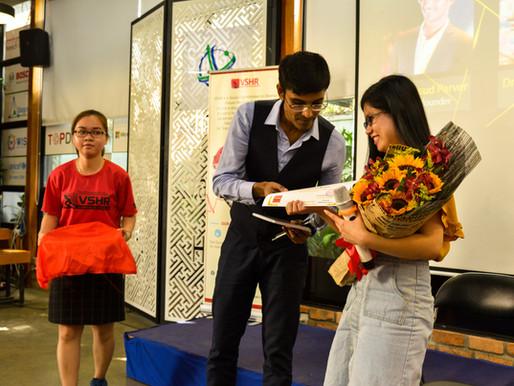 Dr Xuan own the amazing mentor award for Genius Upskill Program Season 2018