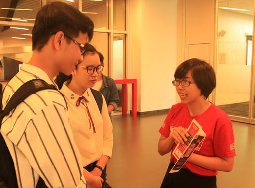 Thống kê địa phương cho thấy rằng có hơn 325,000 sinh viên ra trường không có việc làm tại Việt Nam.