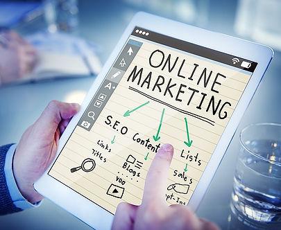 Fabrizio Bellotti esperto seo social media marketing e web designer a Roma.