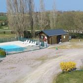 local accueil et piscine