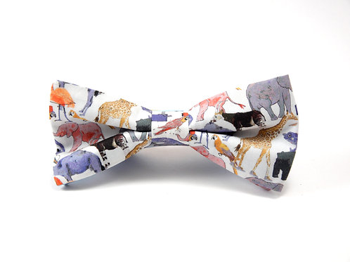 Queue for the Zoo Liberty Print 'Sophisticate' Bow Tie