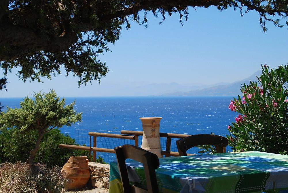 טברנה יוונית בכריתים