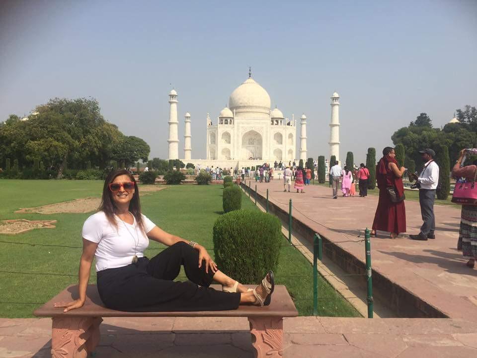 """מקדש של א הבה זהו הטאג' מהאל שבהודו. סיפור אהבה בין בעל לאישתו המתה זהו הטאג' מהאל -""""כתר הארמון"""" שבעיר אגרה בהודו, הוא סמל האהבה הנצחית שבנה קיסר האימפריה המוגולית שאה ג'האן כדי להנציח את אשתו השלישית והאהובה, ארג'ומנד באנו בגום, שנקראה מומתאז-מהאל."""