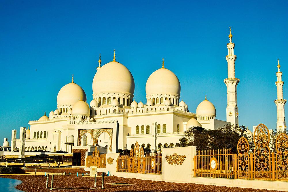 דובאי מסגד חסן המפואר בעולם