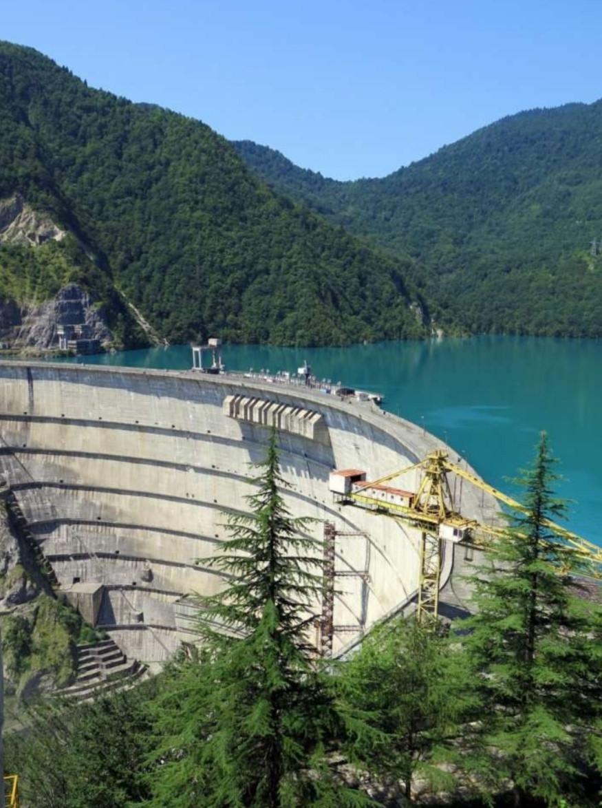 סכר מאגר ז'נוואלי (Zhinvali Dam