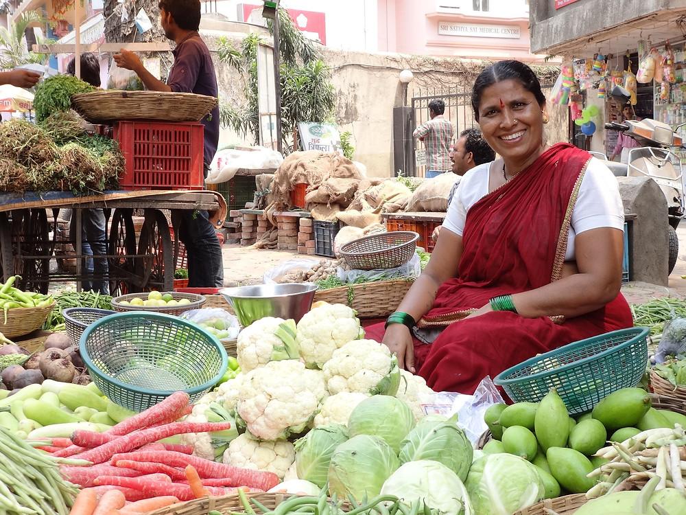 הודית יפה במיין באזר בניו דלהי הודו