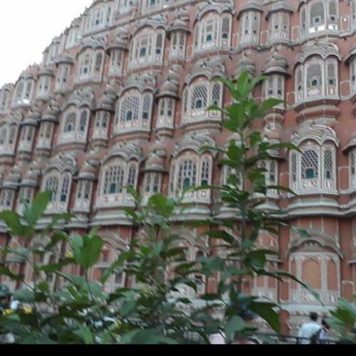 איידיפור רגיסטאן הודו , מקדש הרוחות