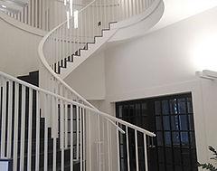 A Archs constructora som especialistes en obra industrial: edificació i construcció d'instal·lacions industrials, reformes i ampliacions, etc.