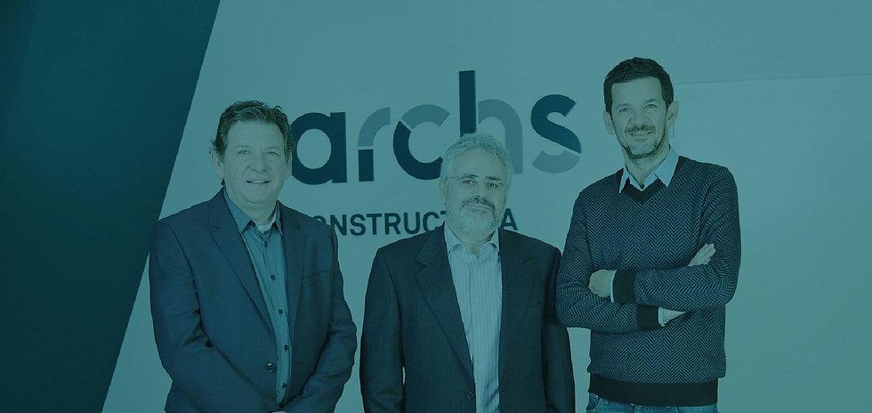 Archs Constructora és una empresa que elabora projectes de construcció d'àmbit global: obra industrial, civil, edificació residencial i no residencial, etc.