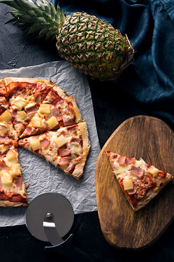 (Food And Beverage Solutions) Doughboys Stone Baked Pizza: Hawaiian / Ham & Pineapple