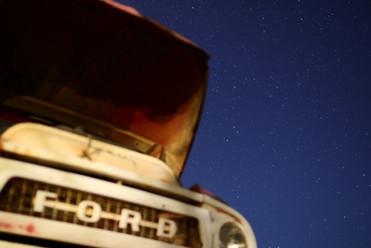 0424フォードと星空.JPG