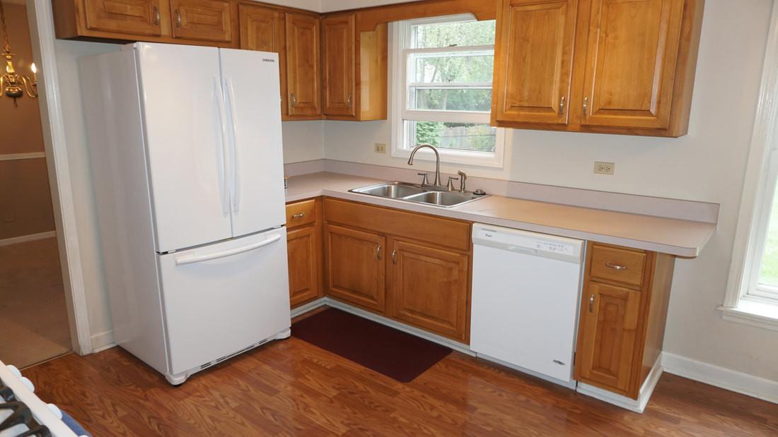 Kitchen (view 3)