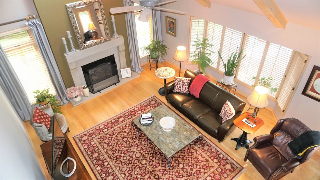 Living Room (upstairs view)