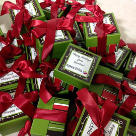 img-custom-gifts-spectrio_500x.jpg