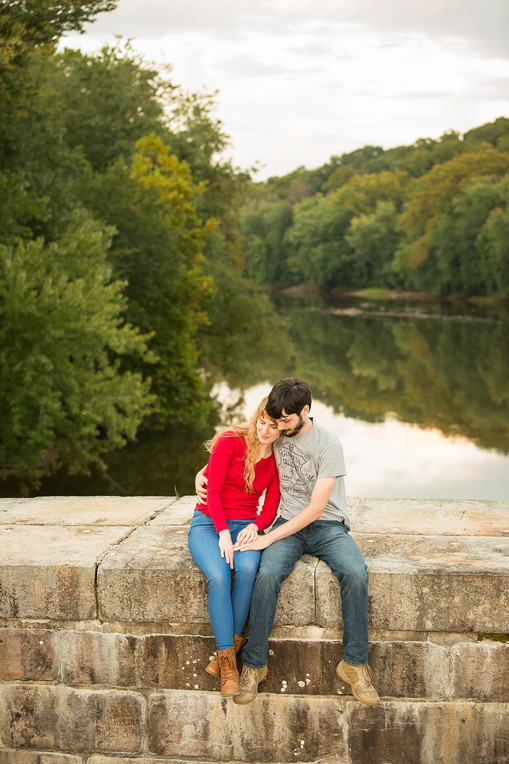 Monocacy Aqueduct engagment session, c&o canal engagement, frederick engagement, frederick photography session,dc engagement session, engagement photography, love portraits, best frederick photographers, best dc photographers, potomac river, wedding portraits, wedding photography, pearly engagement, pearly photos, pkp