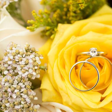 wedding rings in yellow rose