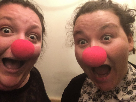 Help Molly and Éilís to Clown Around
