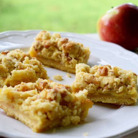 Apple Custard Streusel Slice